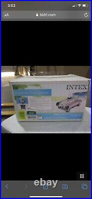 Intex Automatic Pool Cleaner Pressure Side Vacuum Cleaner with 24 Foot Hose Auto